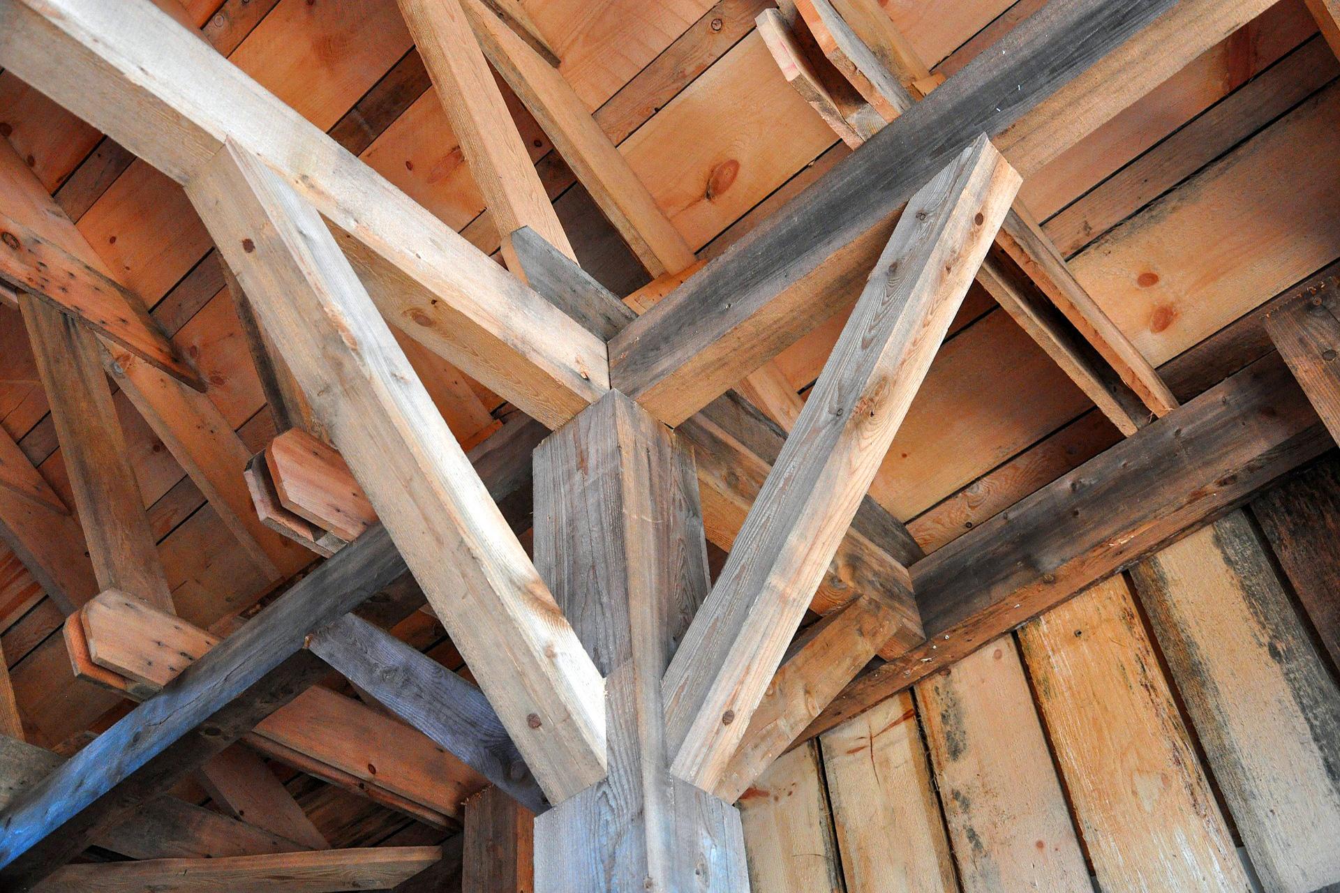 ustandserfassung von Holzkonstruktionen (Präsenzseminar / Online-Seminar) - Foto: Mark Martins / Pixabay
